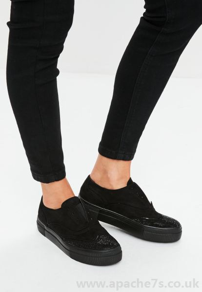 black sneakers women